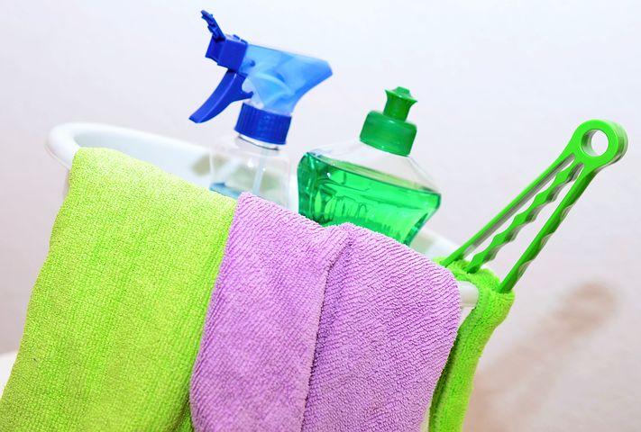 vinegar for household cleaning